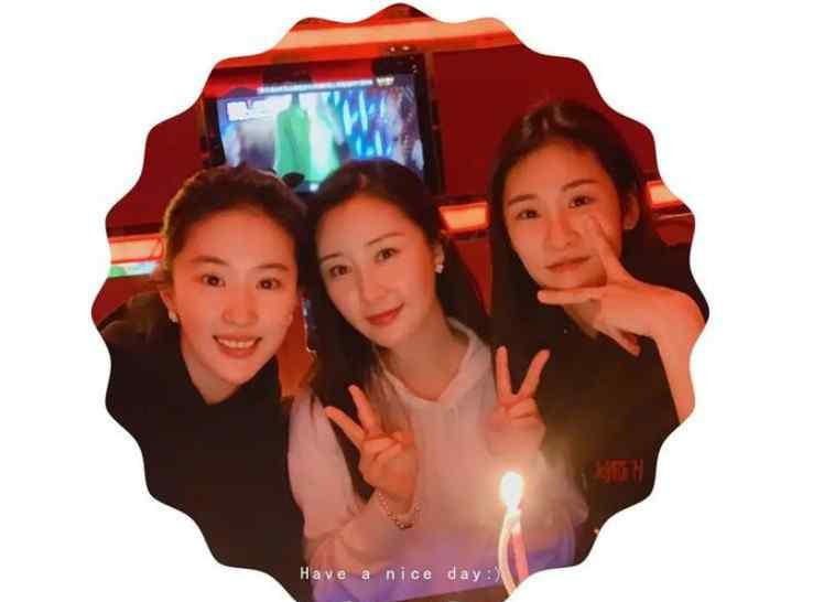 舒畅全棵艺术照 刘亦菲张碧晨舒畅三人合照  三人是娱乐圈中的三朵金花