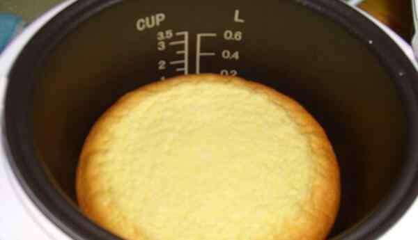 电饭锅蒸面包 电饭锅做面包没熟怎么办 电饭锅面包的家庭做法