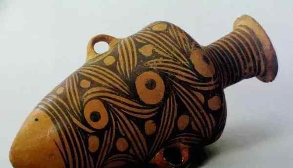 新石器时代早期 我国在大约一万年前的新石器时代早期发明了陶器。