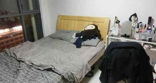 床双人床 1.5米床两人睡挤吗 标准双人床/不挤