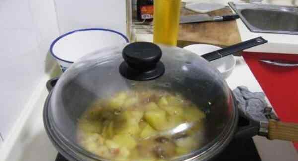 咖喱做法 煮咖喱要盖锅盖吗 可盖可不盖