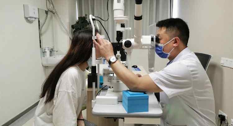 眼科专家 昆明爱尔眼科高度近视专家门诊正式开诊