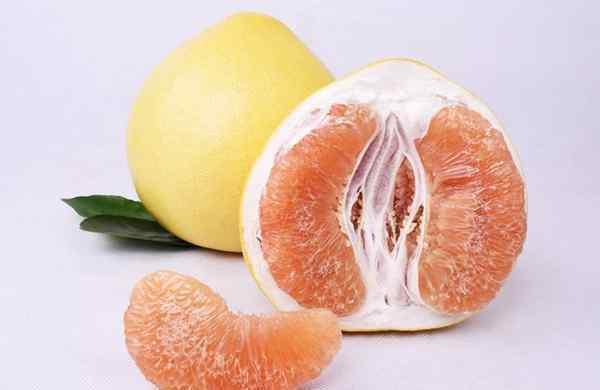 吃柚子的好处和禁忌 吃柚子可以帮助消化吗 柚子对身体有哪些好处
